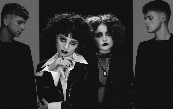 Pale Waves 2019